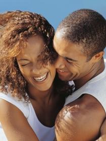 Preferencias de mujeres y hombres en el sexo: ¿con o sin pareja?