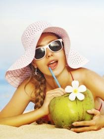 Cómo peinarse en verano: peinados para ir a la playa y a la piscina