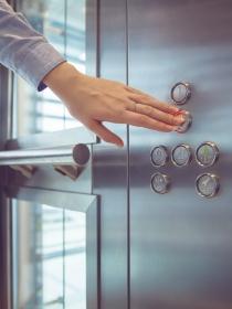 Soñar con un ascensor: descubre en qué momento de tu vida estás