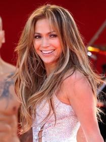 Jennifer Lopez cumple años, más sexy que nunca