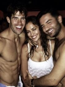 Irina Shayk, miss camiseta mojada mientras Cristiano Ronaldo aguanta a Justin Bieber