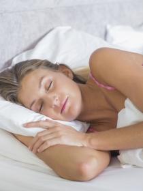 Cuántas horas debemos dormir para evitar dolores de cabeza