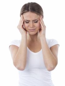 Cefalea en racimos: causas y síntomas del dolor de cabeza más intenso