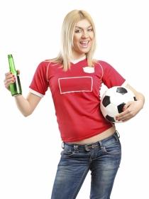 Cosas que hacen las mujeres cuando ven un partido de fútbol
