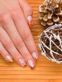 6 diseños de manicura de uñas por los que querrás que sea Navidad todo el año