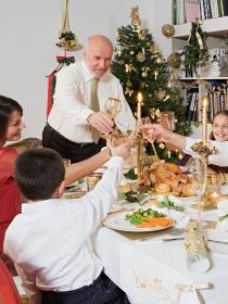 8 consejos para sobrevivir a la cena familiar de Navidad