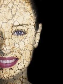 15 señales de que te has pasado con el maquillaje: cómo NO maquillarte