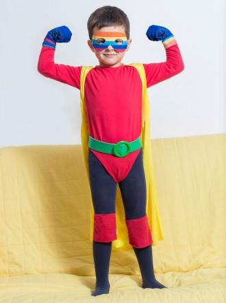 6 padres que no deberían celebrar Halloween: disfraces ridículos de niños