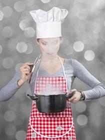 Soñar con cocinar: descubre tu interior en el significado de tus sueños