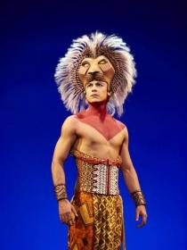 Carlos Rivera sí será ´Simba' en el 'Rey León' mexicano, de Disney