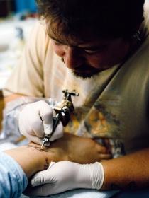 Justin Bieber, Rihanna… ellos también se equivocaron con sus tatuajes