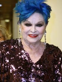 Lucía Bosé: la azulada matriarca del clan Bosé