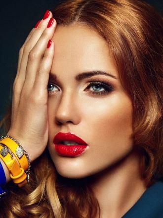 Cómo maquillarse divinamente