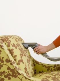 Remedios caseros para las manchas del sofá: tu sillón, como nuevo