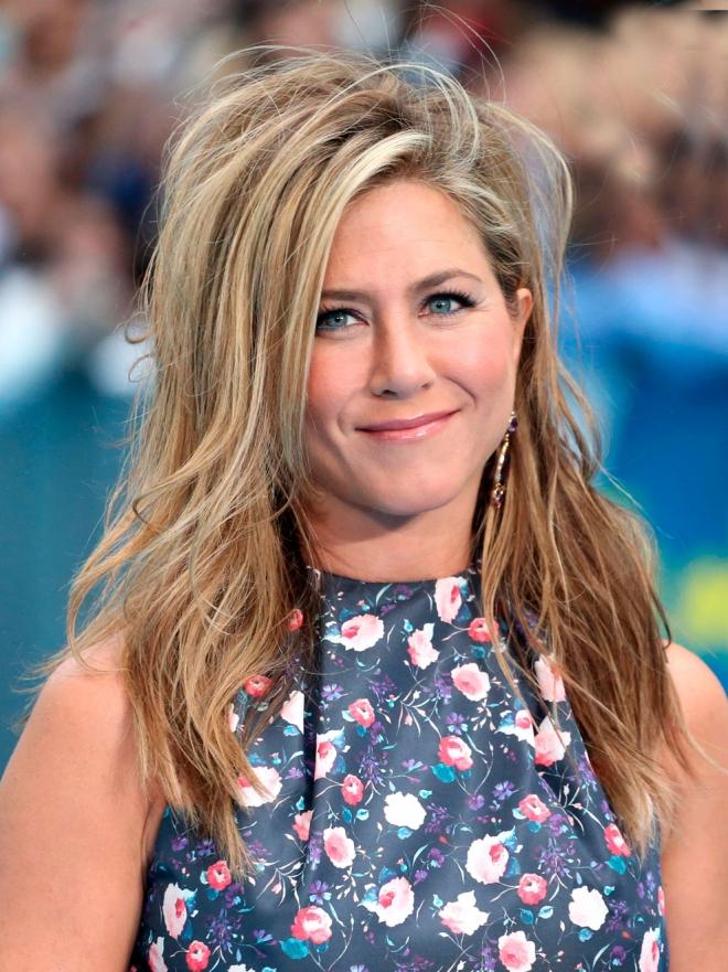 Lluvia de ideas peinados de jennifer aniston Fotos de ideas de color de pelo - Kristen Stewart, Jennifer Aniston... Los peores peinados ...