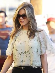 El fracaso les une: Jennifer Aniston y Angelina Jolie, fuera de los Oscars 2015