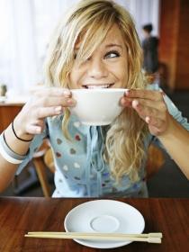 5 recetas de sopas para combinar con tu dieta detox