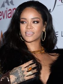 El peor look de Rihanna: el lado choni de la 'novia' de Dicaprio