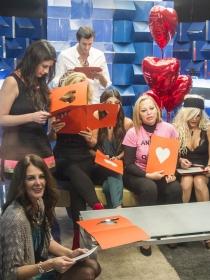 Gran Hermano: San Valentín enamora en el debate de GH Vip