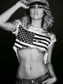 Miley Cyrus, de lo más sugerente en Instagram