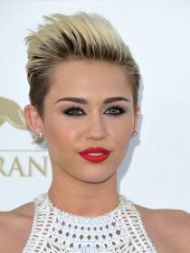 Miley Cyrus y la tendencia del rubio platino