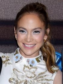 Jennifer López deslumbra en American Idol
