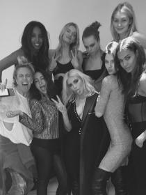 Kim Kardashian, Kendall Jenner y Cara Delevingne, reunión de 'tops'
