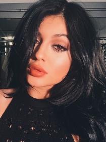 Kylie Jenner, 'training' a lo Kim Kardashian