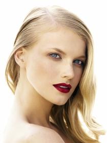 Cómo quitar las ojeras con poco maquillaje
