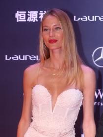 Vanessa Lorenzo, la perfecta novia de Carles Puyol