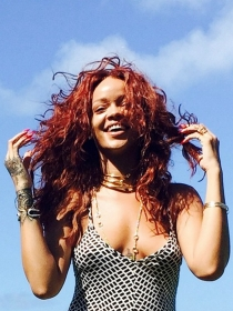 Rihanna se desnuda para V Magazine