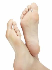 Cómo evitar la retención de líquidos en los pies