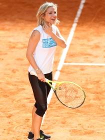 Elsa Pataky, una tenista solidaria en el Madrid Open 2015