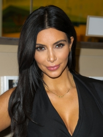 Kim Kardashian arrasa con su libro Selfish