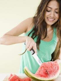 Los mejores alimentos para cuidar la piel en verano
