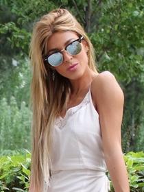 Oriana (MYHYV) vuelve a desnudarse en Interviú