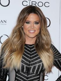 Faldas de tubo: el mejor estilismo de Khloé Kardashian