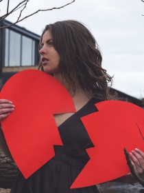 Cinco frases de amor para un corazón roto