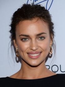 Cómo conseguir los labios de Irina Shayk con maquillaje