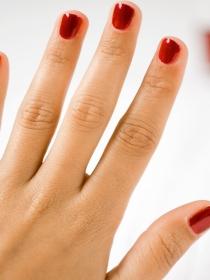 Cinco tips para que no se estropee el esmalte de uñas