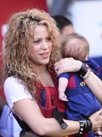 Shakira y Piqué presumen de Sasha en Instagram