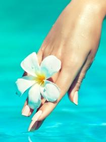 Cinco cosas que debes evitar con las uñas en verano