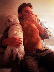 Perros de famosos: la Pomerania y Terrier de Fernando Tejero