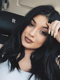 Manicuras de famosas: las uñas de Kylie Jenner