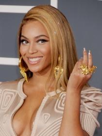 Manicuras de famosas: las uñas de Beyoncé