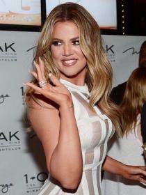 Manicuras de famosas: las uñas de Khloé Kardashian