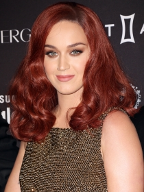 Harper's Bazaar Icons: Katy Perry arrasa a lo Jessica Rabbit