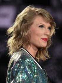 OK Magazine: Taylor Swift y Calvin Harris, ¿planes de boda?