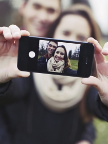 ¡Díselo en línea! Frases de amor para mandar por WhatsApp