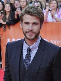 Un sexy Liam Hemsworth, la esencia de Los juegos del hambre